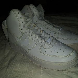 Nike Air Force 1 White Patent Swoosh sz 7Y